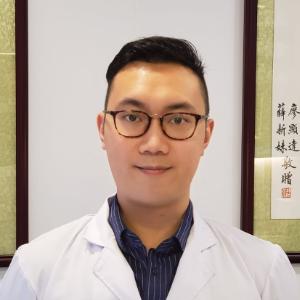 黃立銘中醫師